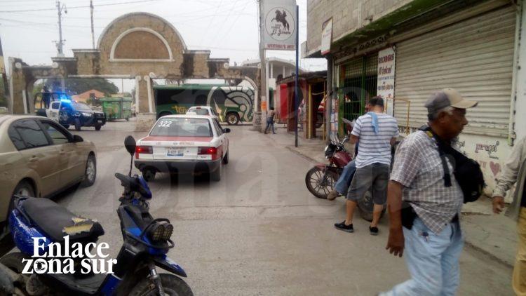 Indigente es arrollado por taxi en Panuco